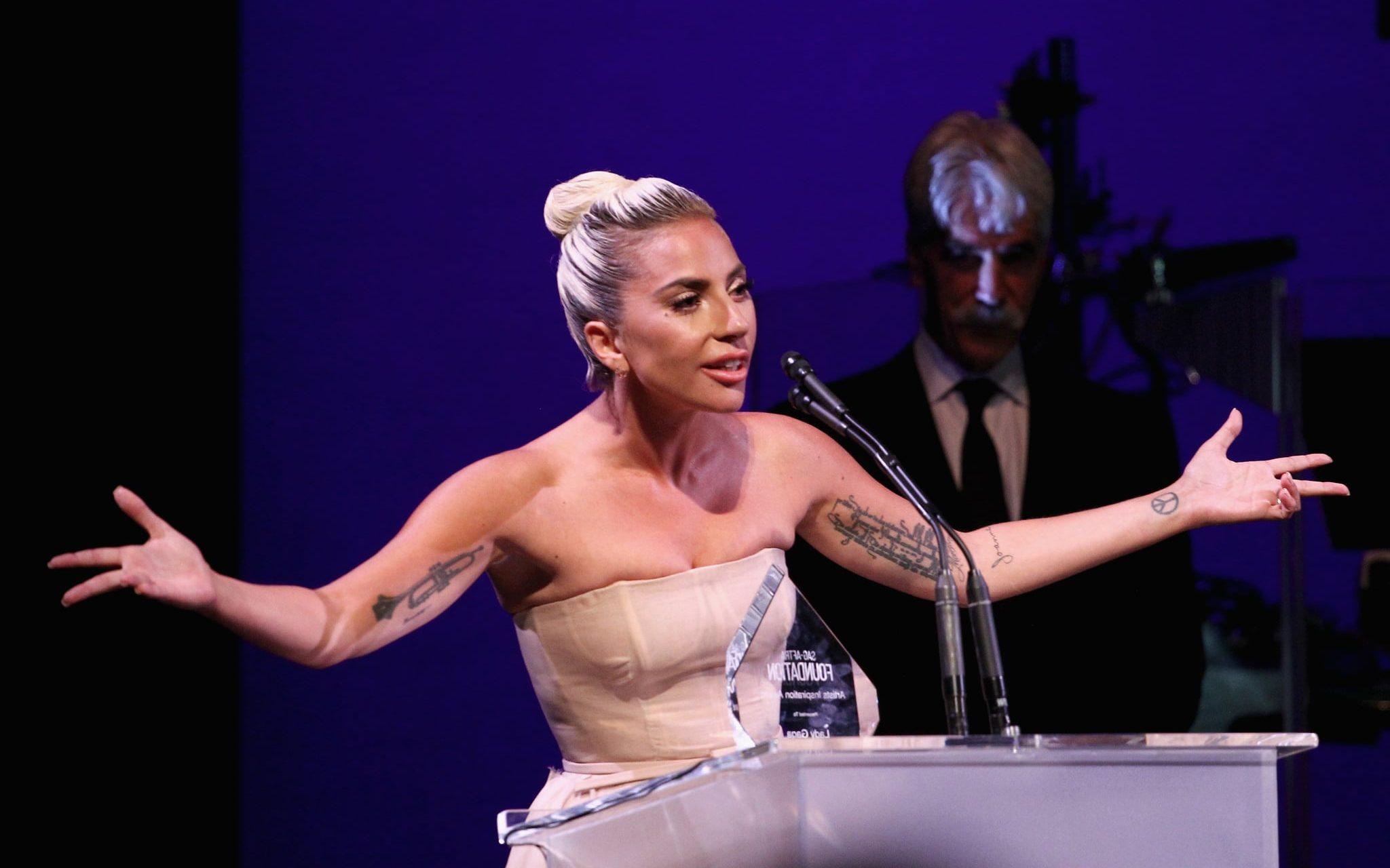 Lady Gaga Homofobik Başkan Yardımcısı ve Eşine Açtı Ağzını Yumdu Gözünü!