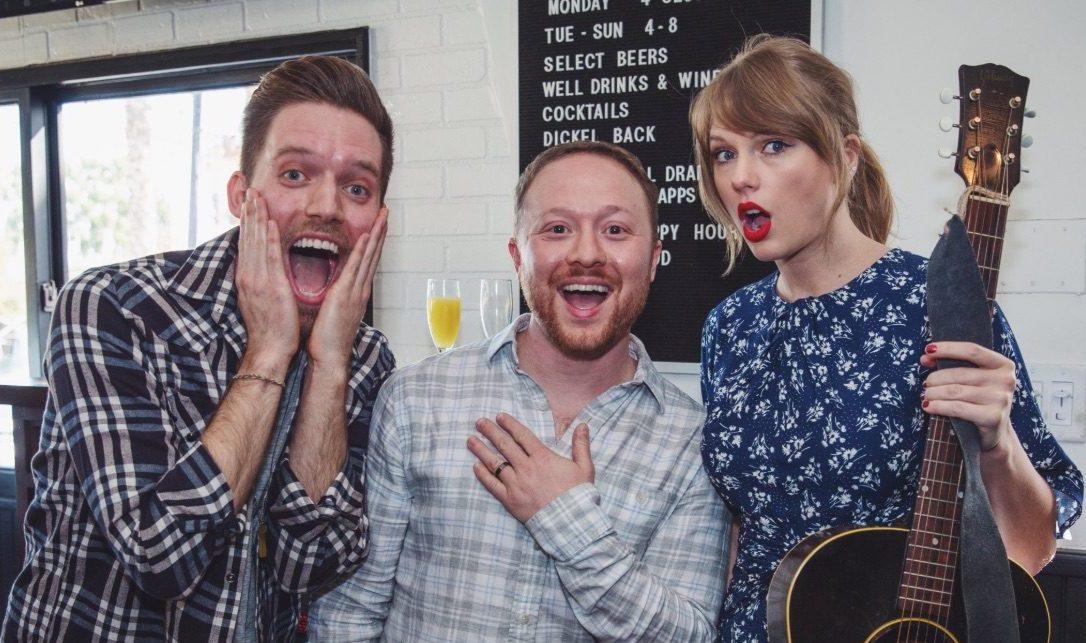 İzleyin: Taylor Swift'ten Gay Çifte Nişan Sürprizi!