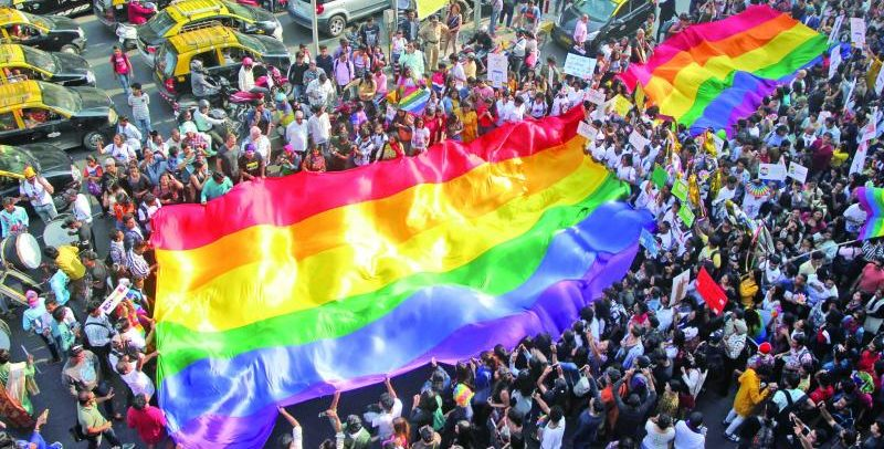 Eşcinselliğin Artık Suç Olmadığı Hindistan'daki İlk Onur Yürüyüşü'ne İnsan SELİ!