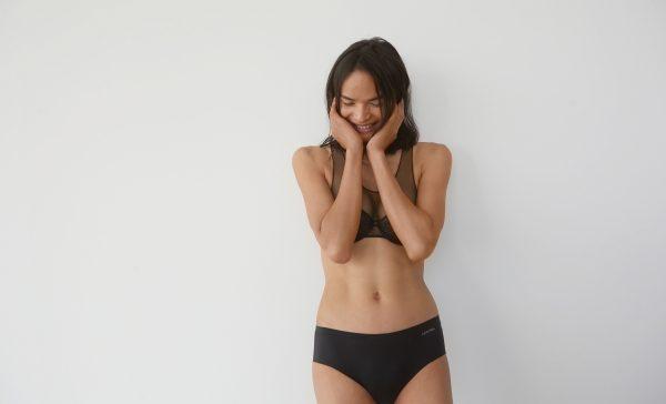Nepal'in Yıldız Trans Modeli Calvin Klein'in Yeni Reklam Kampanyasında Yer Aldı