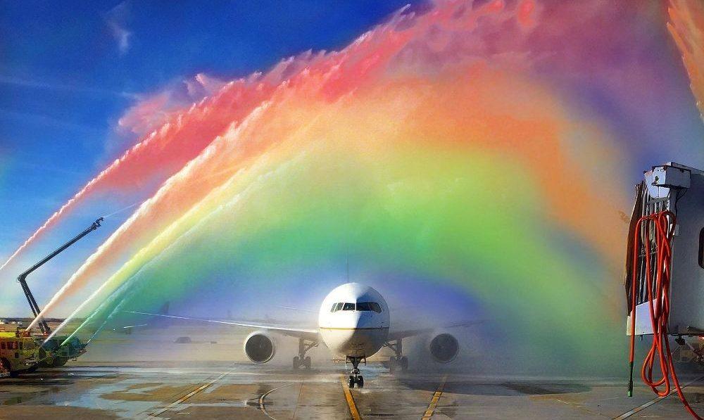 United Airlines İkili Sistemin Dışındaki Yolcuları İçin Alternatif Bir Cinsiyet Seçeneği Getirdi