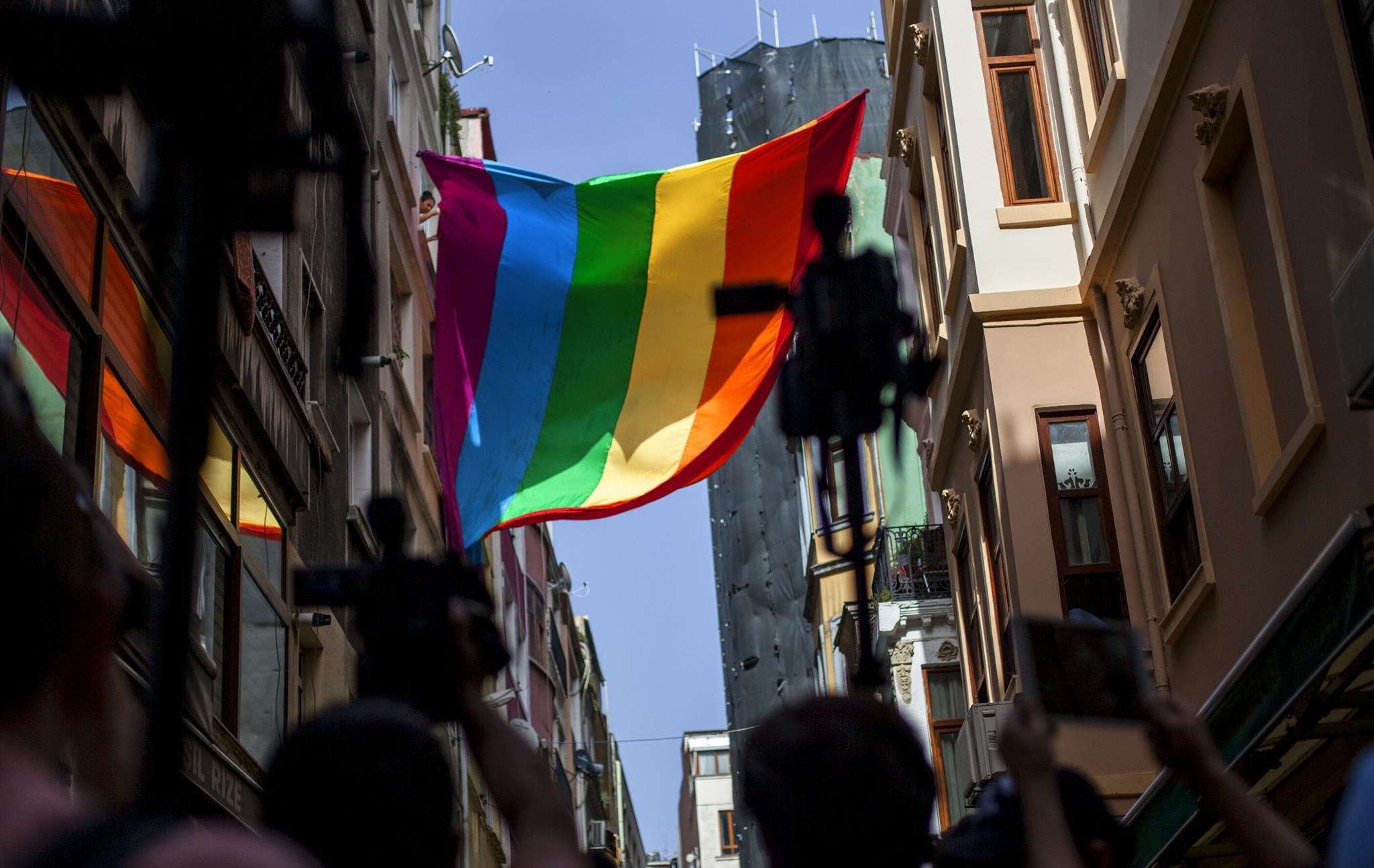 LGBTİ'lerde Neden Görüntü Var Ama Ses Yok?