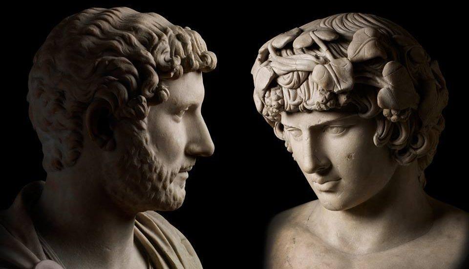 Ünlü İsmin Malikanesinde Romalı Gay Bir Peri Dolaşıyor!