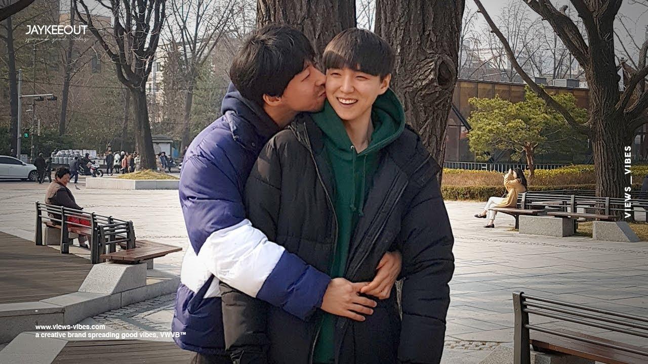 İzleyin: Gay Çiftten, Korelilerin Eşcinsellik Hakkındaki Düşüncelerini Ölçen Video