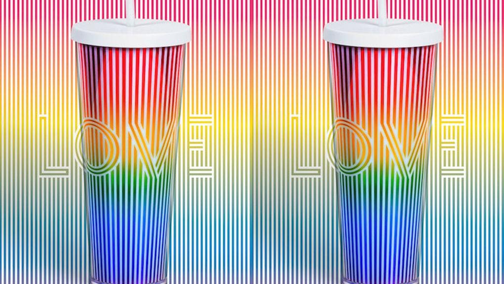 Starbucks'tan Pride'a Özel 'Love' Bardağı!
