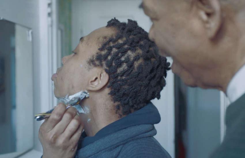 İzleyin: Yeni Gillette Reklamında Bir Baba, Trans Çocuğunun İlk Tıraşına Yardımcı Oluyor