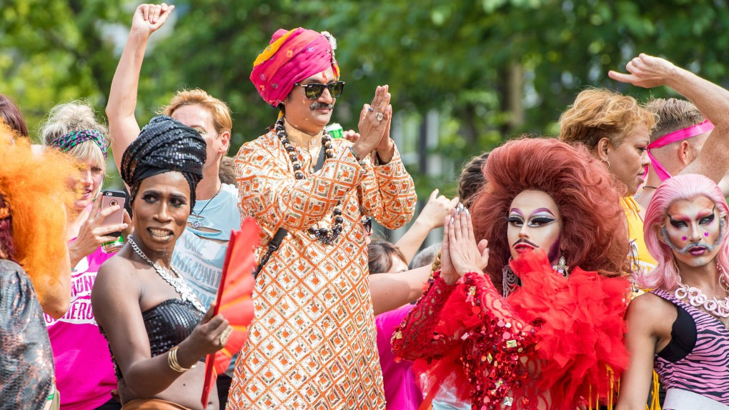 Hindistan'ın Gay Prensi Kimsesiz LGBT'ler İçin 15 Dönümlük Bir Arsa Üzerine Saray Yaptırdı!