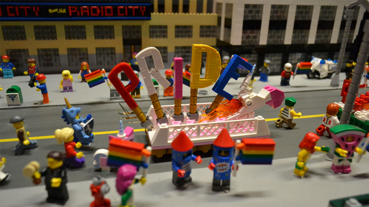 LEGO'dan Dünyanın En Küçük Onur Yürüyüşü!