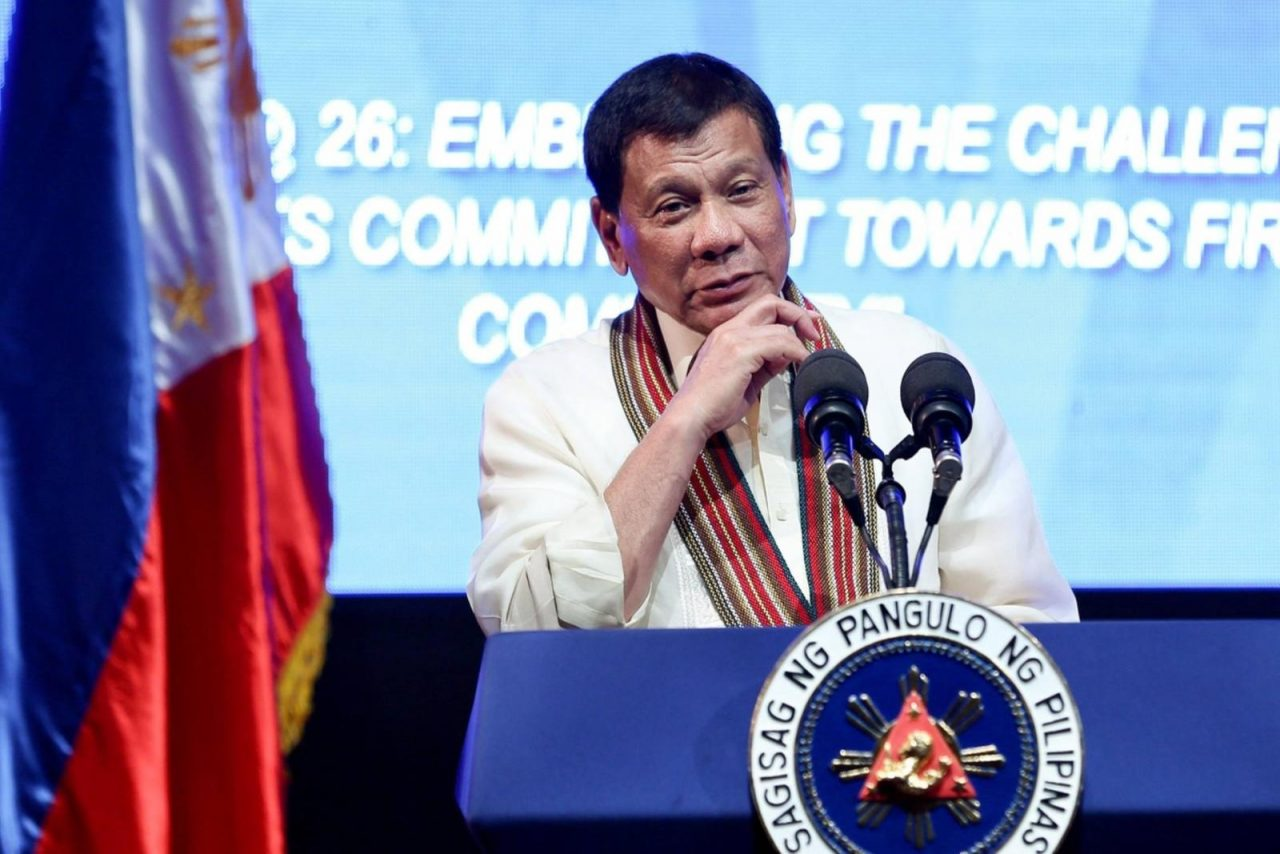 Filipinler Başkanı: Eskiden Eşcinseldim, Tedavi Oldum