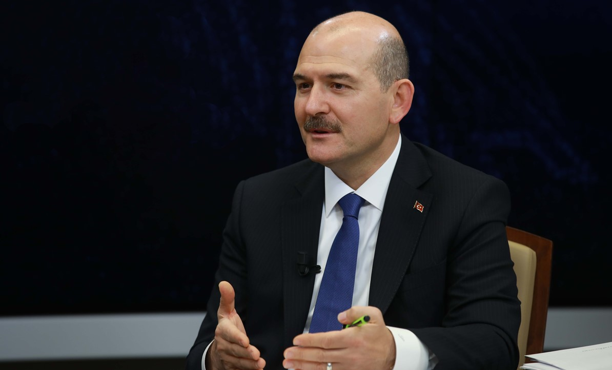 Süleyman Soylu: LGBT'yi Türkiye İçin Bir Tehdit Olarak Görüyorum