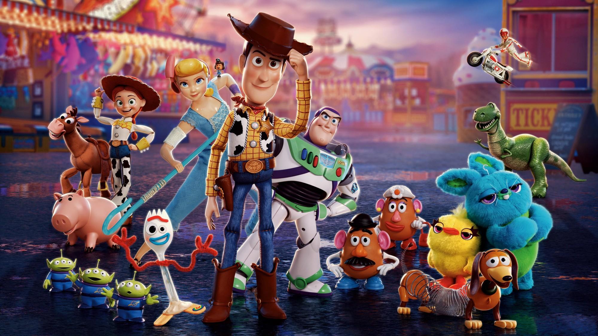 Toy Story 4'teki Lezbiyen Anneler Homofobikleri Kızdırdı, Disney Geri Adım Atmadı!