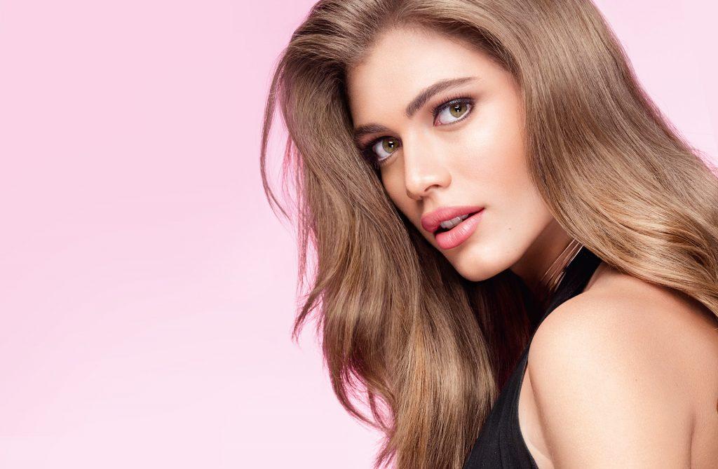 Victoria's Secret'in İlk Trans Modeli Valentina Sampaio Tarih Yazdı!