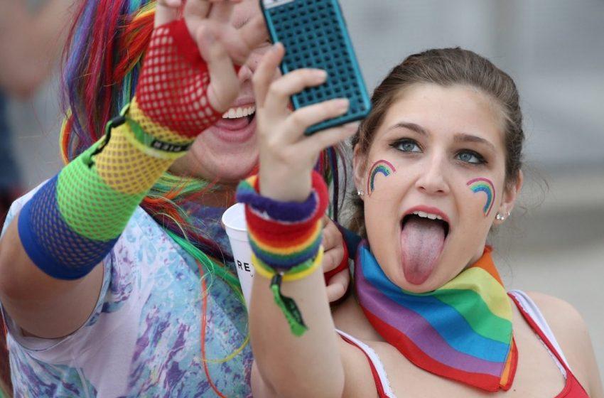 TikTok Türkiye'deki LGBT İçerikleri Önce Engelledi Sonra 'Geçerli Değil' Dedi