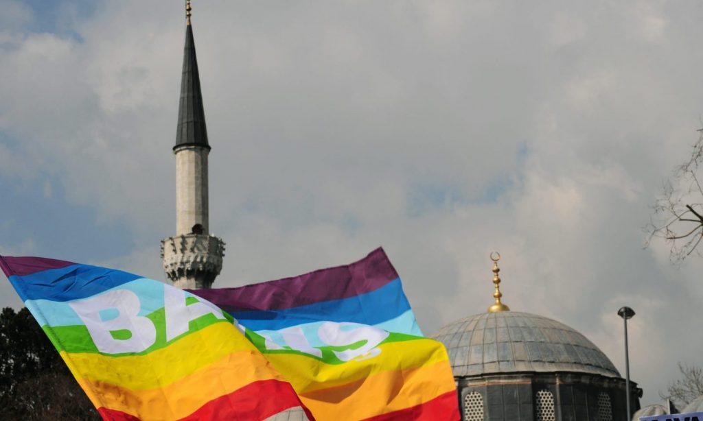 Halsema: Kadın ve Eşcinselleri Aşağılayan Camileri Kapatırız