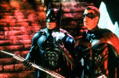 Batman & Robin (1997) aka Batman and Robin Directed by Joel Schumacher Shown from left: George Clooney (as Batman), Chris O'Donnell (as Robin)