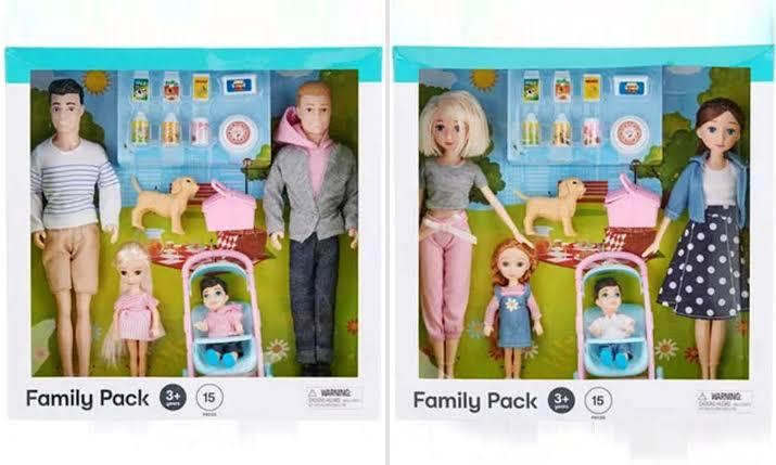 Kmart'ın Eşcinsel Ebeveynleri Barındıran 'Aile Oyun Set'leri Çıktığı Anda Tükendi!