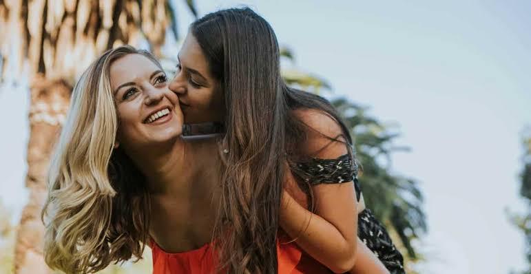 Hoşlandığın Kız Da Senden Hoşlanıyor Mu? İşte Önemli 'O' 9 İşaret
