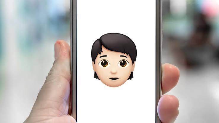 Apple, Kendini İkili Sistemin Dışında Tanımlayan Bireyler İçin Emojiler Çıkardı