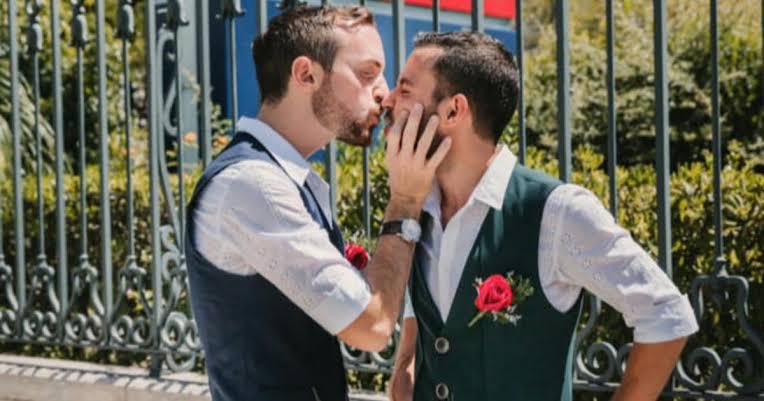 İzleyin: Kendi Ülkeleri İsrail'de Evlilik Eşitliği Olmamasına Rağmen Düğün Yaptılar!
