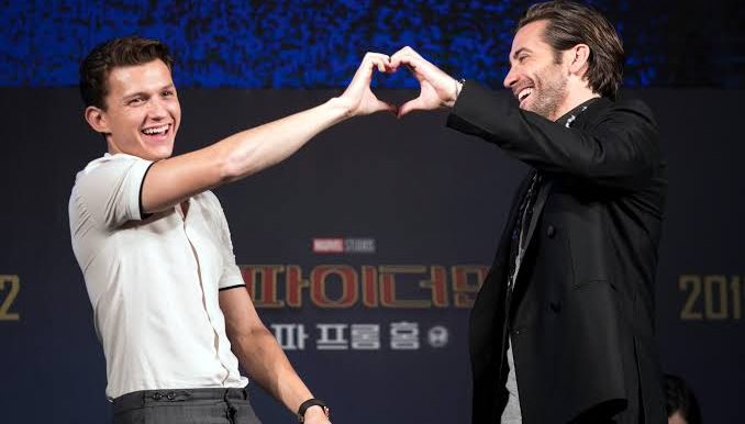 Yılın En Tatlı Sahte Eşcinsel Çifti: Tom Holland ve Jake Gyllenhaal