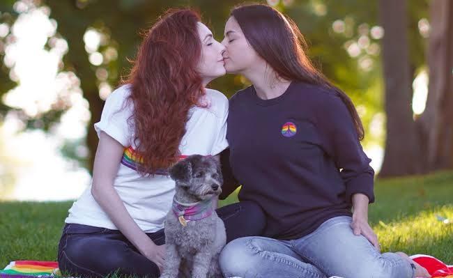 Yeni Bir Araştırma: Eşcinsel ve Biseksüel İlişkilerinde Köpek Sahibi Olmak İlişkiyi Güçlendiriyor