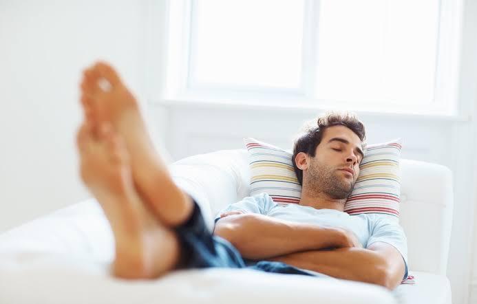 Amerikalı Adam Kabusu Yaşadı: Uyandığımda Adamın Biri Ayak Parmaklarımı Emiyordu!