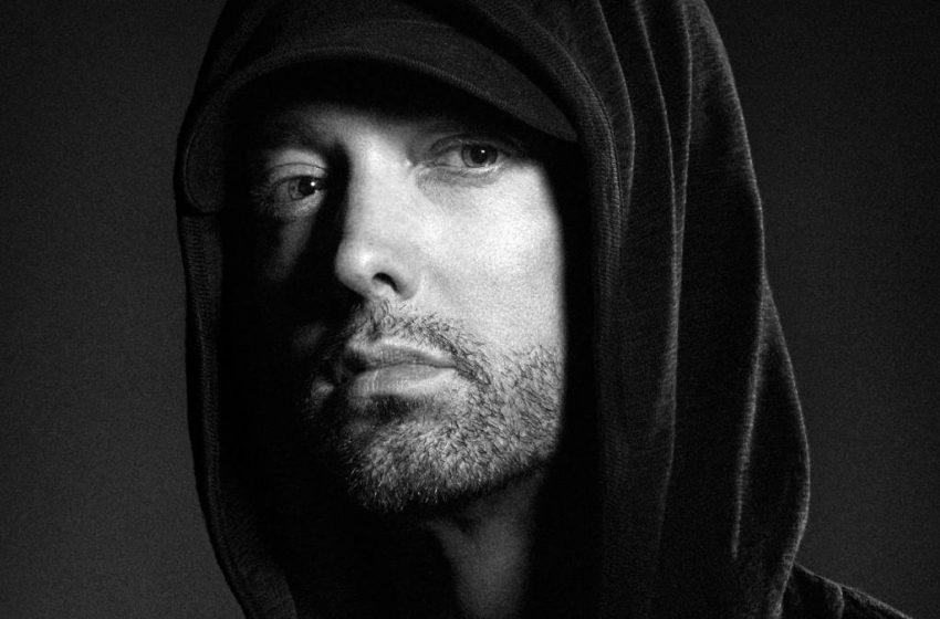 Eminem, Yeni Albümünde Ariana Grande Konserindeki Terör Saldırısıyla Dalga Geçtiği İçin Çok Ağır Eleştirildi