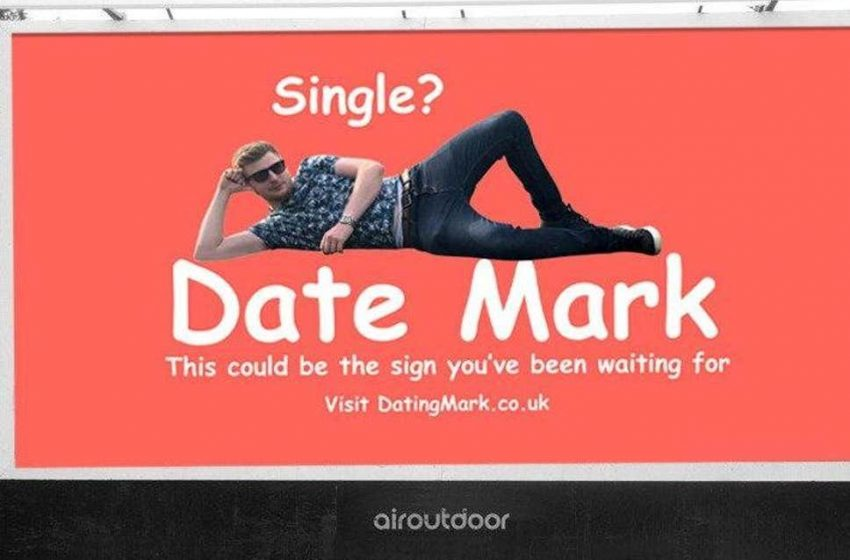 Billboard'a Randevu Reklamı Veren Heteroseksüel Erkeğe, Binlerce Erkek Talip Oldu!