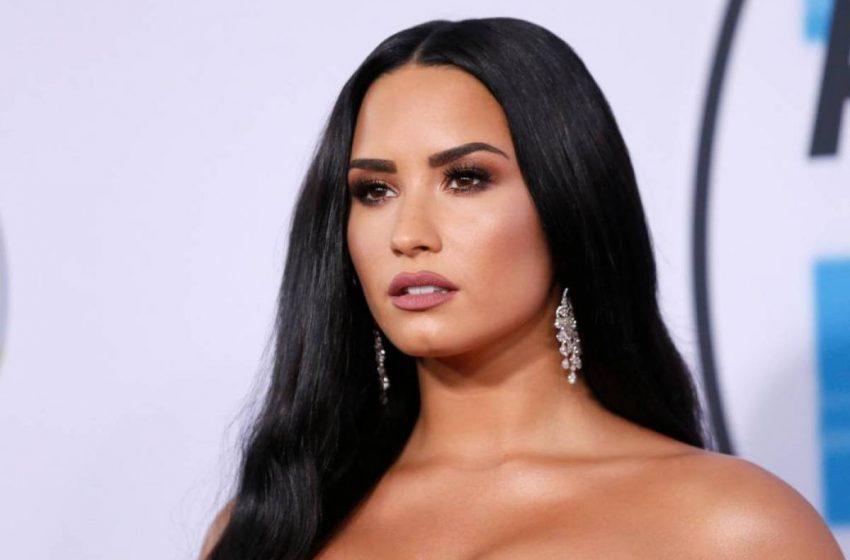 Demi Lovato: Aileme Bir Kadınla Birlikte Olabileceğimi 2017'ye Kadar Söylemedim