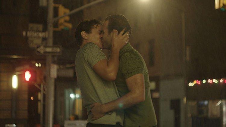 İzleyin: Yakında Vizyona Girecek Olan Yeni Eşcinsel Romantik Komedi Filmi 'Almost Love'dan İlk Fragman