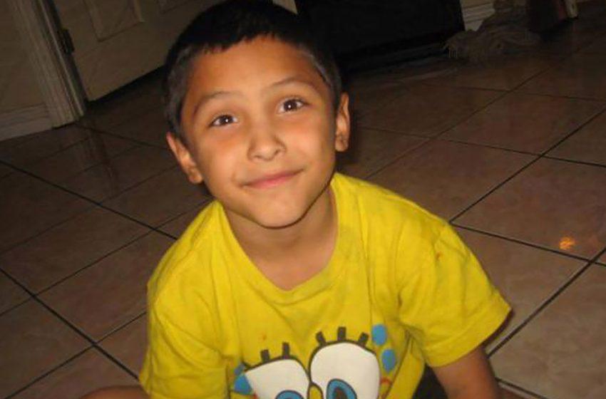 İzleyin: 8 Yaşında 'Eşcinsel Sanıldığı' İçin Annesi ve Erkek Arkadaşı Tarafından Öldürülen Çocuğun Belgeseli Netflix'te