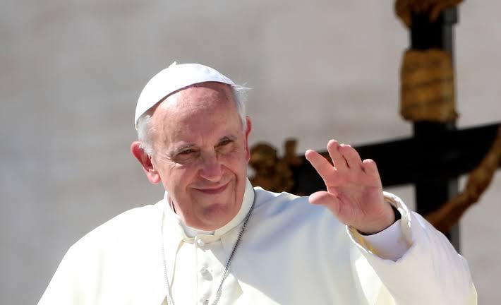 ŞOK: Papa, İtalya'daki Trans Seks İşçilerine Para Yardımında Bulundu!