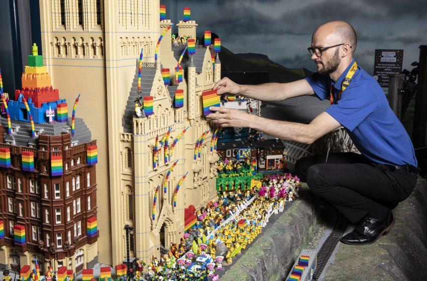 LEGO'nun Çocuklar İçin Düzenlediği Dünyanın En Küçük Pride Törenini Hatırlayalım