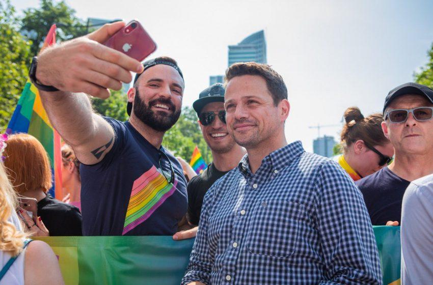 LGBT Dostu Belediye Başkanı, Polonya'daki Cumhurbaşkanlığı Seçimlerini Kazanabilir!