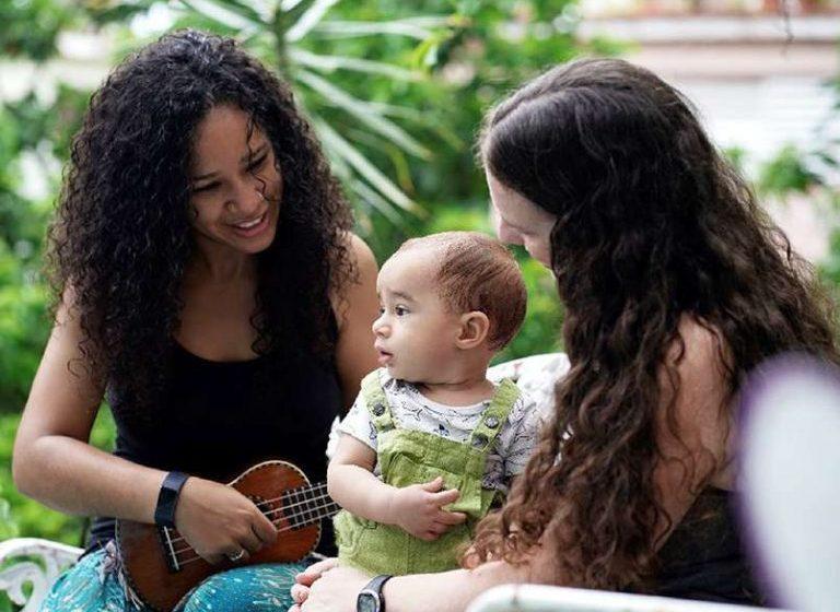 Küba, Bir Bebeğin İki Annesi Olduğunu İlk Kez Resmi Olarak Tanıdı!