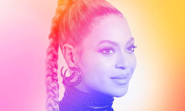 Beyoncé'den LGBT'lere Mesaj: Siz Kuirliğinizle ve Mücadelenizle Güzelsiniz