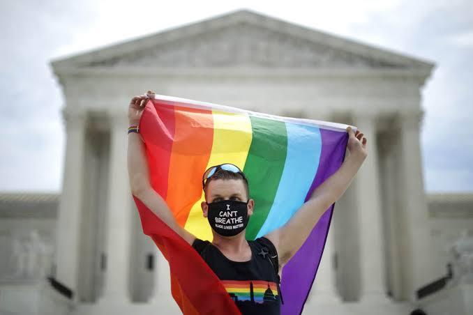 ABD Yüce Mahkemesi Karar Verdi: Bundan Böyle İş Yerlerinde LGBT'lere Yapılan Ayrımcılıklar Suç Sayılacak!