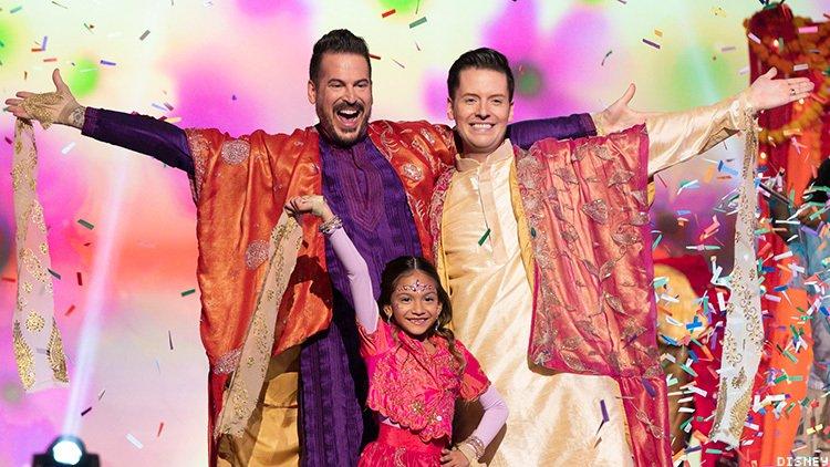 Bir Disney Şovunda Yer Alan İlk Eşcinsel Babalarla Tanışın!