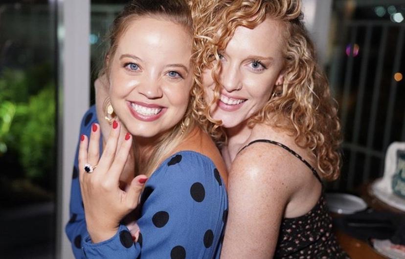 İzleyin: Evde Gerçekleşen Bu Evlilik Teklifi Sizi Göz Yaşlarına Boğabilir