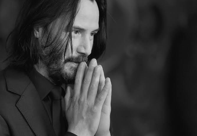Keanu Reeves, Matrix Serisinin Trans Alegorisine Sahip Olmasından Oldukça Memnun