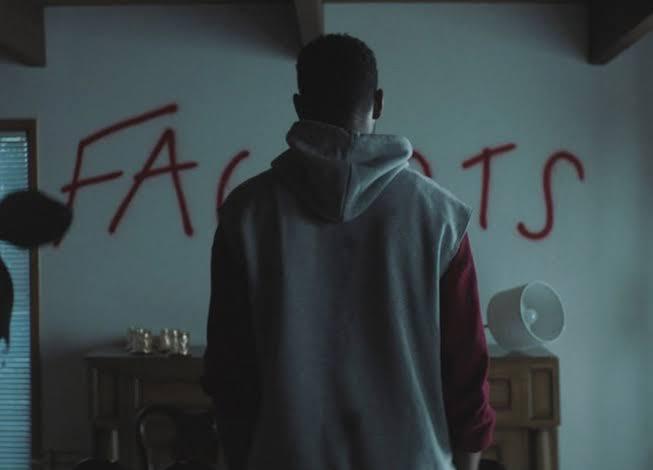 İzleyin: Yeni LGBTİ+ Korku Filmi Spiral'e İlk Bakış