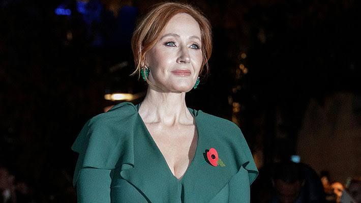 JK Rowling Geri Adım Atmıyor! Ünlü Yazarın Yeni Kitabı, Elbise Giyip Kadınları Öldüren Bir Erkeği Anlatacak!