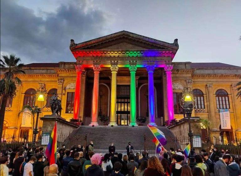İtalyanlar 63 Şehirde Homofobi ve Transfobiye Karşı Eylem Yaptı