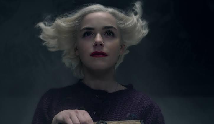 İzleyin: Daha Kuir, Daha Karanlık Cadılar Geri Döndü! Sabrina'dan Yeni Fragman!