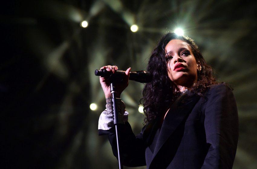 İzleyin: Rihanna Yeni Albümünü Bir Kez Daha Ertelediğini Açıkladı