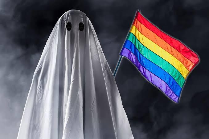 'Bir Araştırmaya' Göre Eşcinsellerin Çoğunluğu Hayaletler Tarafından Ele Geçirilmiş!