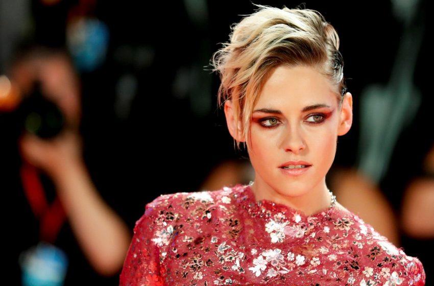 Kristen Stewart Cinsel Yönelimini Açıkladıktan Sonra 'İnanılmaz Bir Baskıyla' Karşılaştığını Söyledi
