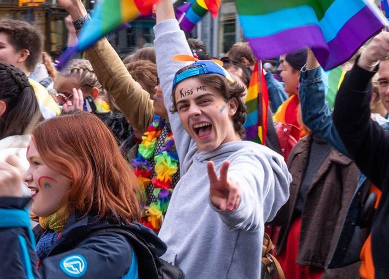 Norveç, Biseksüeller ve Translara Karşı Nefret Söylemini Yasakladı! Cezası İse 1 İla 3 Yıl Hapis!