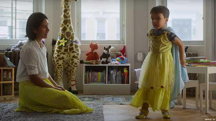Apple TV'nin Yeni Dizisi 'Becoming You' Bütün Çocukların Akışkan Cinsiyetli Olduğunu Söylüyor