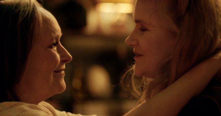 İzleyin: Gerçek Bir Hikayeden Uyarlanan Two of Us, İki Olgun Kadının Zamansız Aşkını Anlatıyor